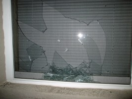 broken window r section