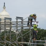 The building in back could use some repairs. (US Capitol)