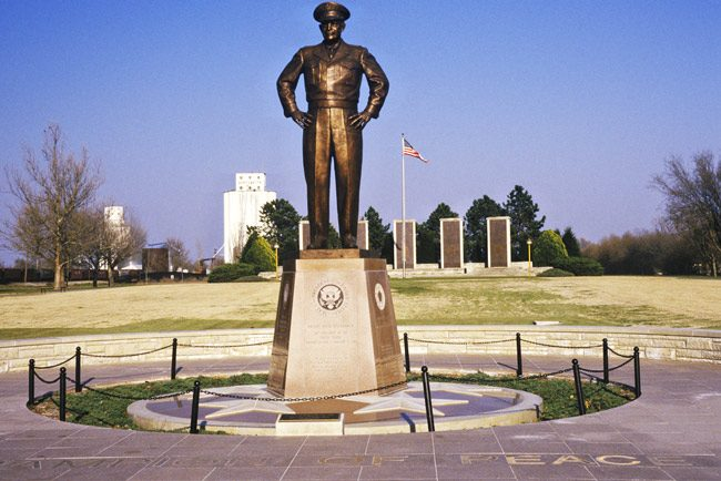 A rather Stalinesque Dwight Eisenhower statue in Abilene, Kansas.  (Shutterstock)