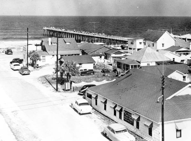 The Flagler Beach pier in the 1950s. (State Archives of Florida, Florida Memory)