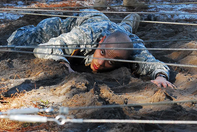 A Florida Guardsman, under the wire. (DVIDSHUB)