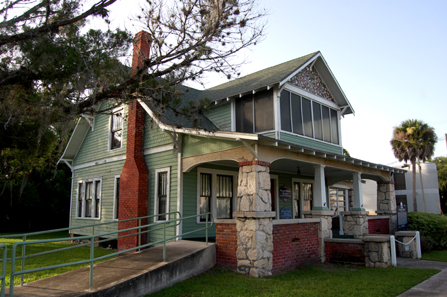 bunnell's historic holden house near the courthouse