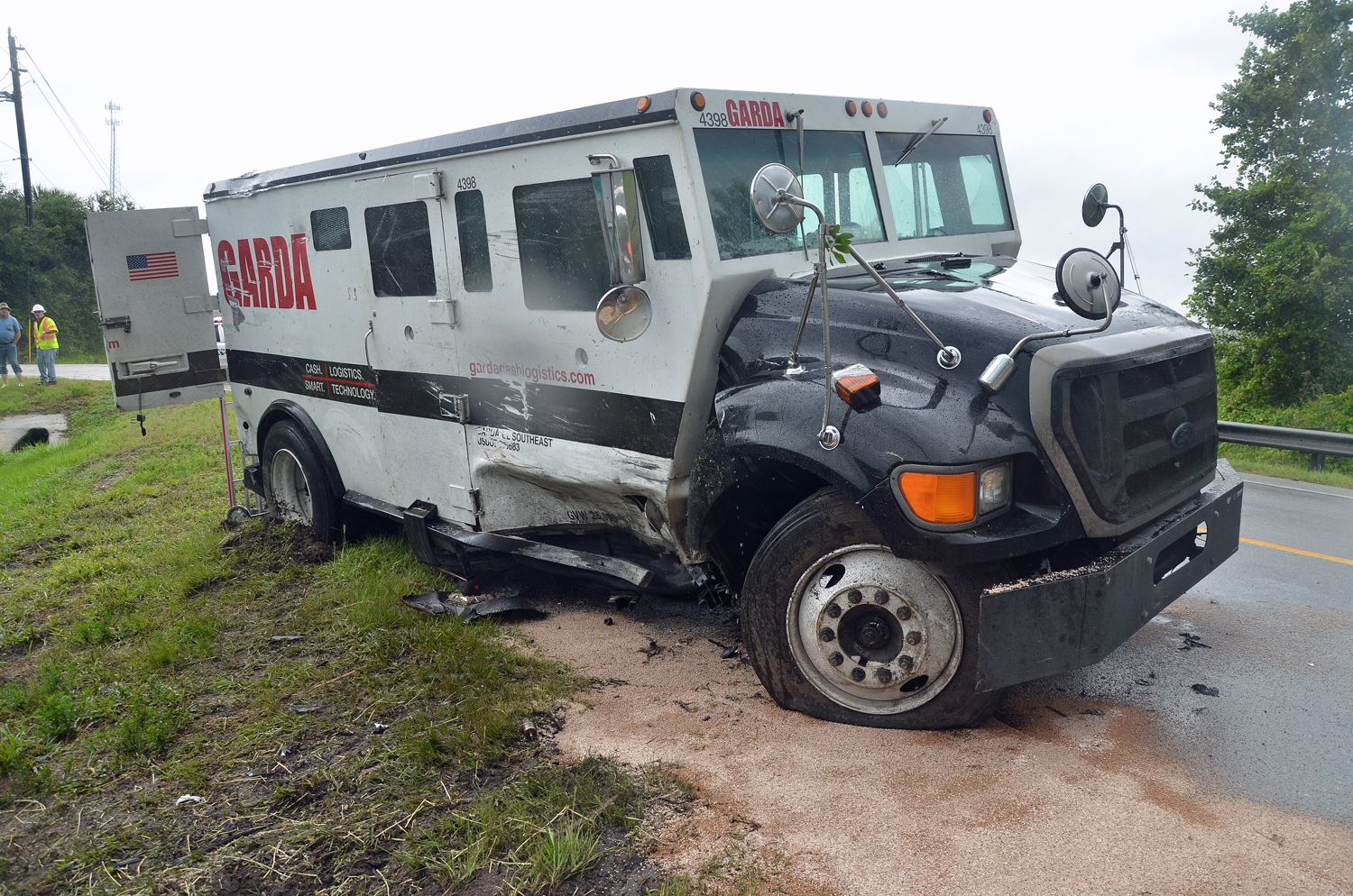 Horse Killed, 2 People Injured, One Gravely, in Massive Wreck on ...