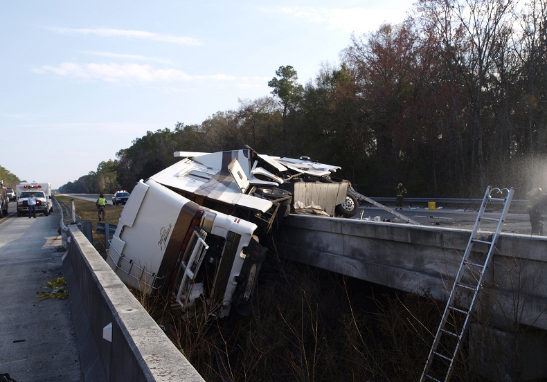 RV Smash-Up Closes I-95 Just North of Flagler County Line