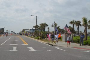 The rally stretched along one block of A1A. (© FlaglerLive)