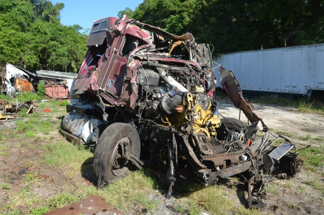tractor trailer wreck i-95