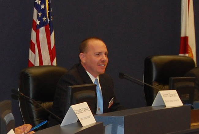 Scott DuPont in his first run for a circuit judge seat in 2010. (© FlaglerLive)