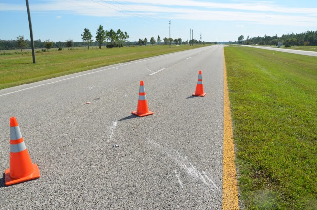 The scrape marks on US1's northbound lanes. Click on the image for larger view. (c FlaglerLive)