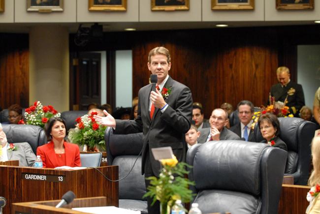 Andy Gardiner on the Senate floor. (Florida Senate)