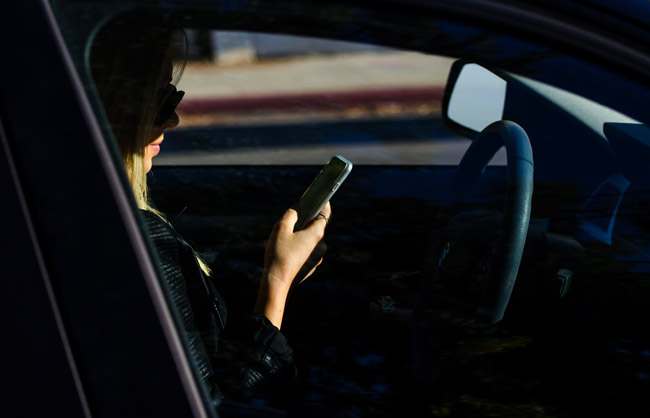 Senate puts brakes on texting-while-driving bill