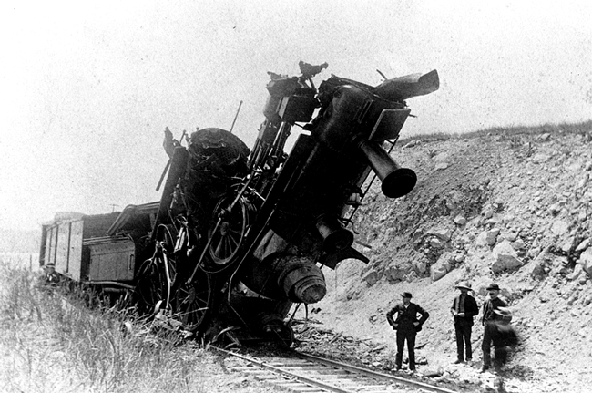trains crashing