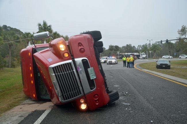 truck overturns i-95