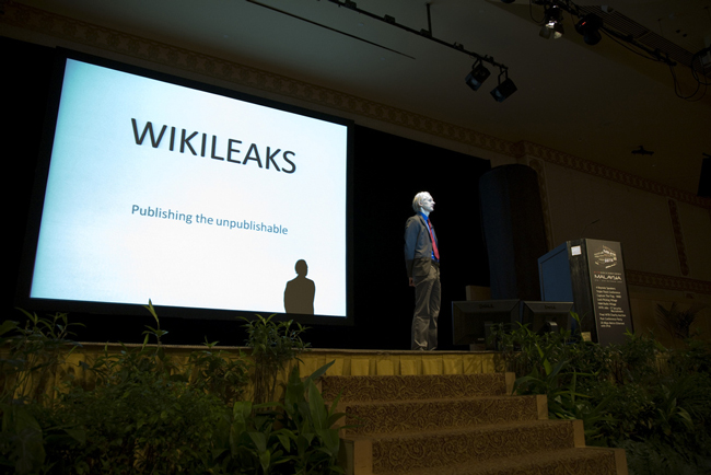 wikileaks assange national service